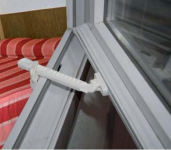 Bezpečnostní zámek oken