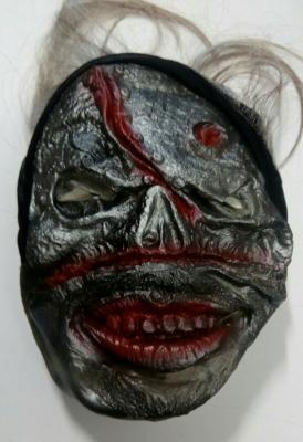 maska-zombie-seda.jpg