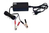 Nabíječka gelových a olověných baterií 6V nebo 12V s LED diodou nabití baterie, Vipow 1132