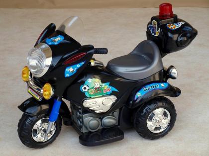 elektricka-silnicni-minimotorka-cerna.jpg