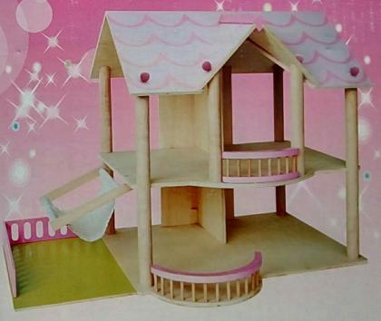 dreveny-domeček-pro-panenky.jpg